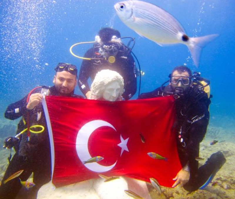 Side   Underwater Museum officially opened!